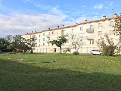 Exclusivite : ROCHEFORT - Appartement type 4 - 2 chambres -garage - Balcon