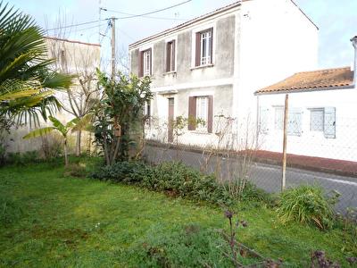 Exclusivite a Rochefort : Maison en pierres de 5 pieces de 105 m2 a renover