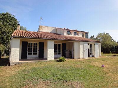 2 min Nord de Rochefort - Breuil Magne - Maison 4 chambres - Grand garage