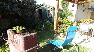 7 MIN Nord ROCHEFORT : Muron : Maison plain pied recente 2 chambres et jardinet