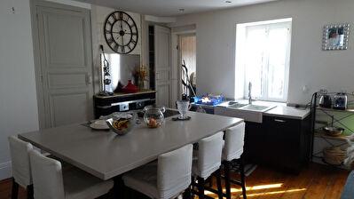 ROCHEFORT, Centre ville - Appartement 93 m2 - 4 pieces - 3 chambres - Terrasse