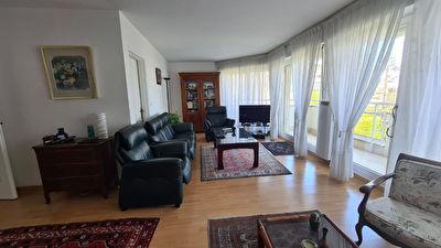 Appartement Rosny Sous Bois 5 pieces 108.76 m2