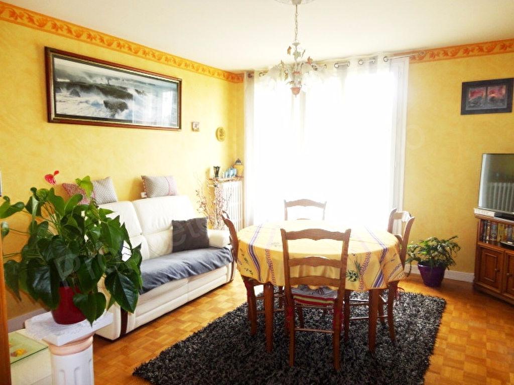 photos n°1 Appartement Noisy Le Sec 3 pièce(s) 63.09 m2