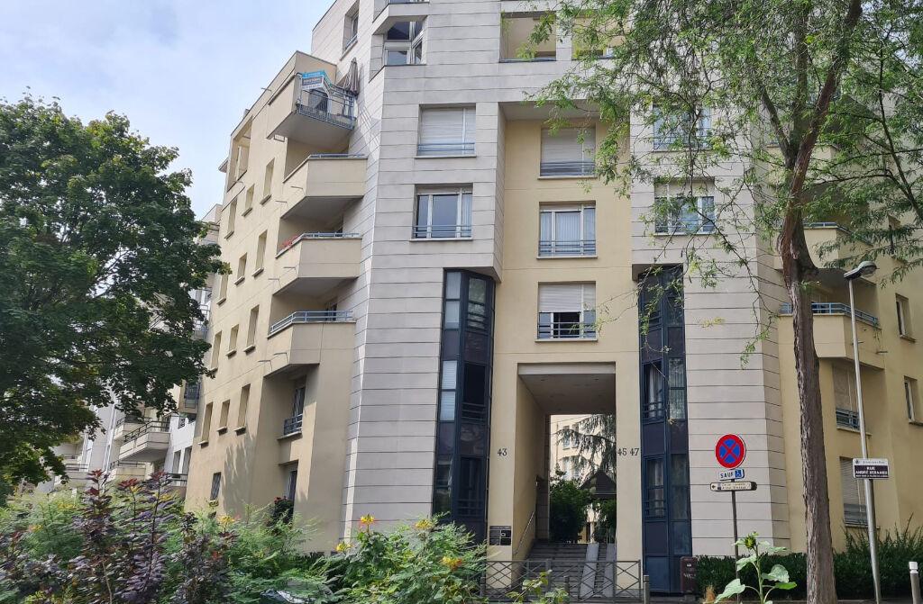 Appartement Rosny Sous Bois  5 pièce(s) 127 m2