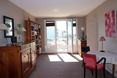 Appartement  5 pieces dernier etage  94100 Le Vieux Saint Maur