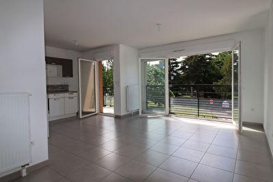 Appartement  3 pieces 60,72 m2 Mairie 94370 Sucy en Brie