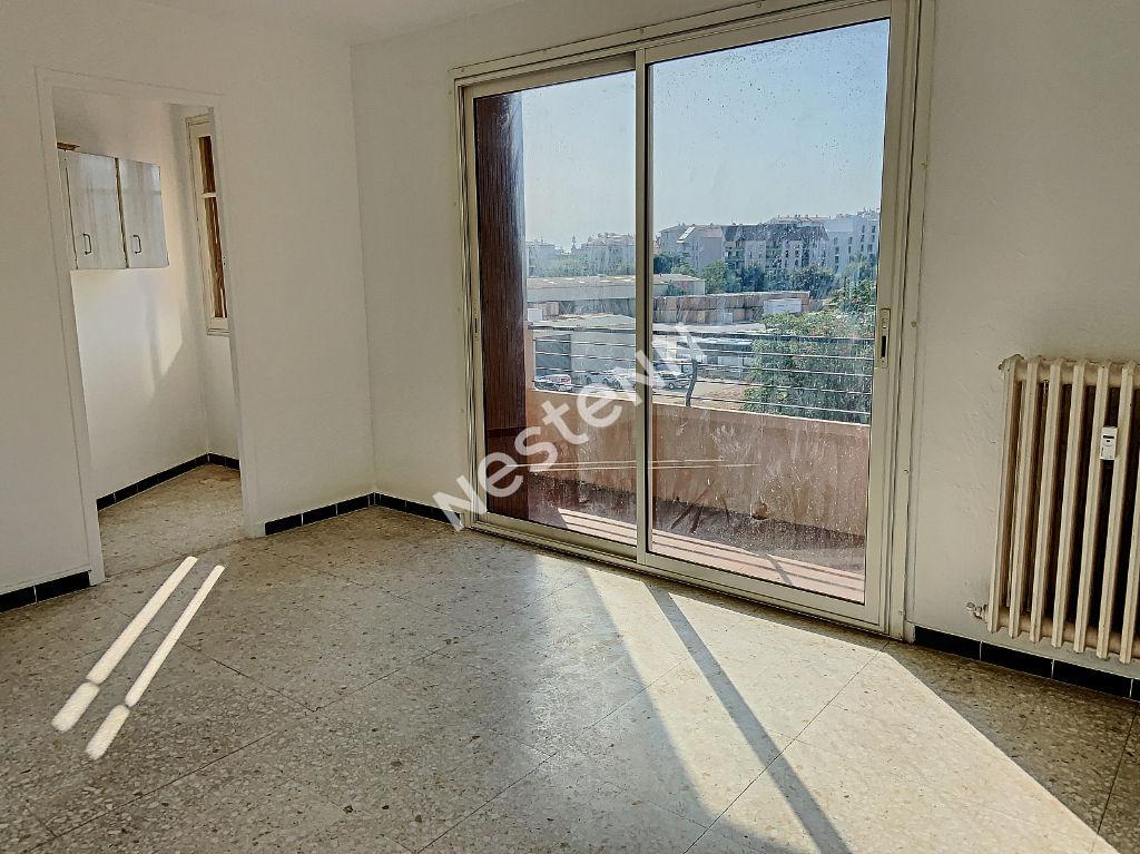 Appartement Toulon de 3 pièces de 70 m² Champ de mars