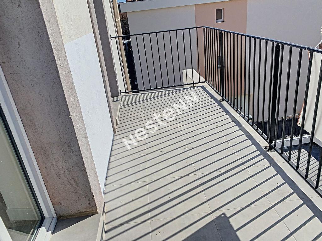 Appartement Toulon 3 pièces de 56 m² + mezzanine