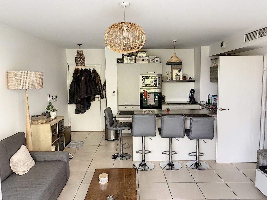 Appartement Toulon 3 pièces 55.04 m2 parking privé