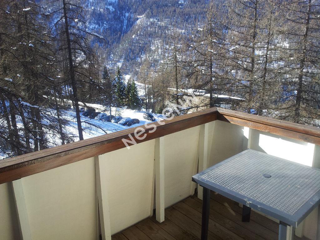 LES ORRES Studio meublé avec terrasse
