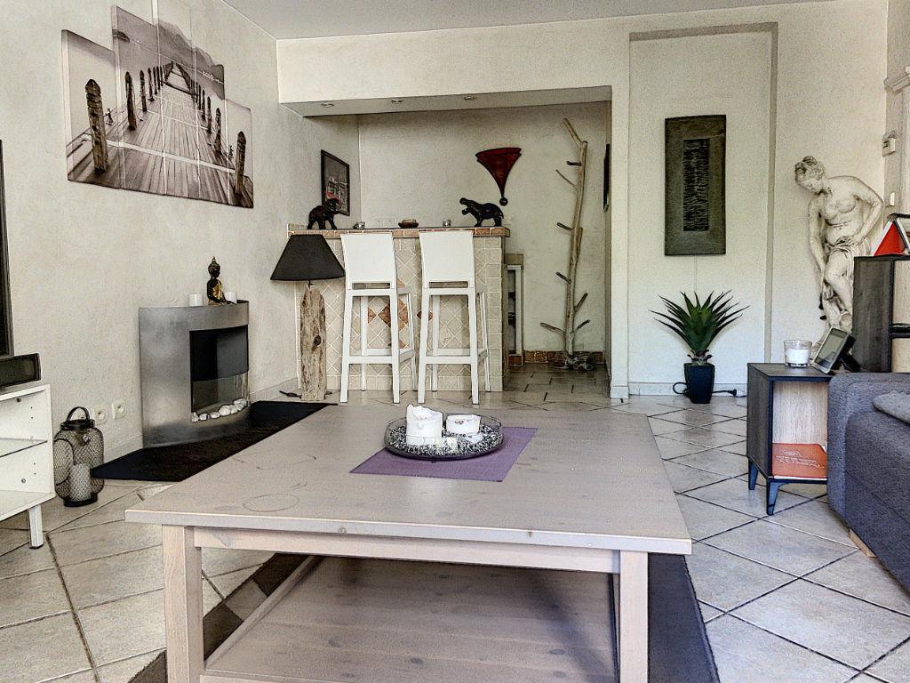Appartement Toulon EST de  3 pièces avec double balcon