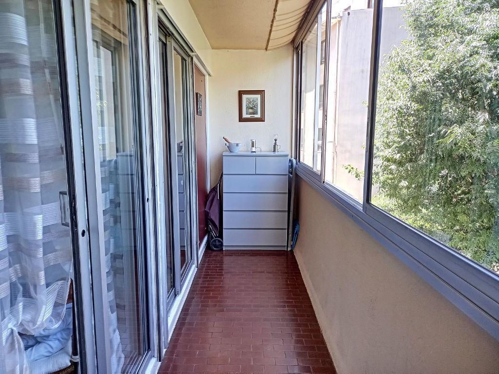Toulon, Champs de mars appartement T3
