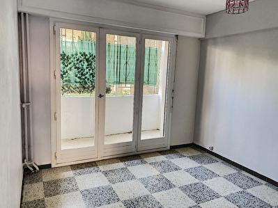 Appartement T3 de 62.56 m2  Toulon Claret en exposition sud au calme dans residence de standing