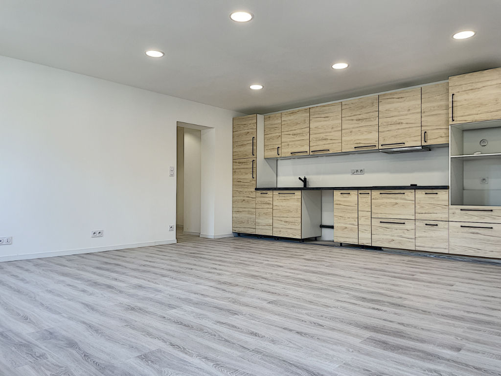 Appartement Toulon La Rode 3 pièces de 73 m2 , Place de Parking Privative