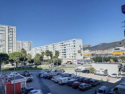 Appartement Toulon Le Mourillon T4 de 68 m2 Balcon terrasse au sud et Balcon au nord et cave