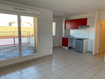 Toulouse Blagnac 31700 -Appartement T2 45m2 - terrasse - garage