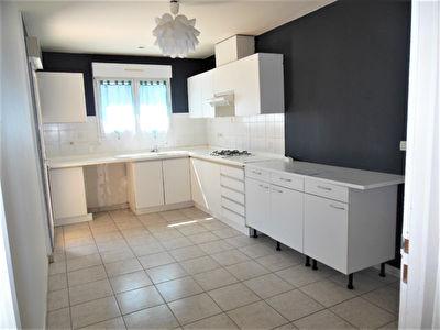 Maison Recente LISLE JOURDAIN T4 DUPLEX 97m2 Garage,jardin 180m2, terrasse
