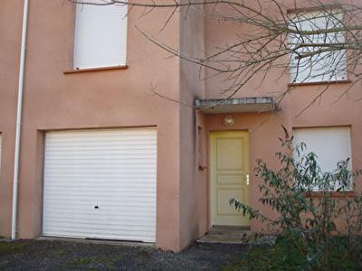 CAHORS 46000 Maison T5 duplex calme 93,40m2,jardin 40m2 garage 15,08m2