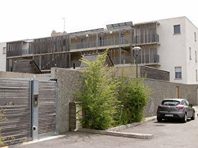 CORNEBARIEU 31700 Beau T3 de 64.80m2 avec grande terrasse et une place de parking