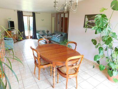 Maison Escalquens T6 109m2, avec piscine, jardin, garage en sous sol de 43m2, pas de vis a vis au calme