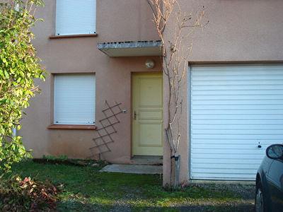 CAHORS 47000 Maison T5 duplex  Recente de  93.4m2 garage et jardin 40m2  , 2 salles de bains
