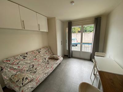 Toulouse 31300 appartement  T1 meuble de 15m2 en tres bon etat avec place de parking proche au pied du tramway  et de l'hopital purpan