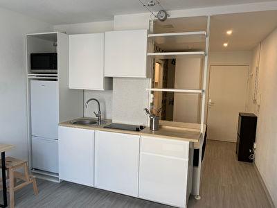 Toulouse les Arenes 31100 Appartement  T1 refait a  neuf meuble de 21.69 m2 meuble parking
