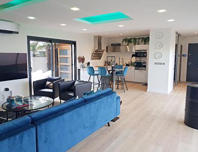 Toulouse  31200 Maison T5 entierement meublee de 138 m2 avec un jardin privatif et jacuzzi, garage sur un terrain de 343m2