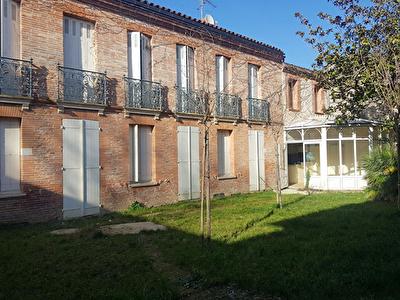 Aucamville 31140 Maison Toulousaine bourgeoise T7  236m2, terrain piscinable 416 m2