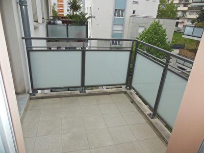 Toulouse 31500 Quartier JOLIMONT Sans frais agence Agreable T2 recent de 45.58m2 avec terrasse de 3.80m2  , 1 parking en sous sol