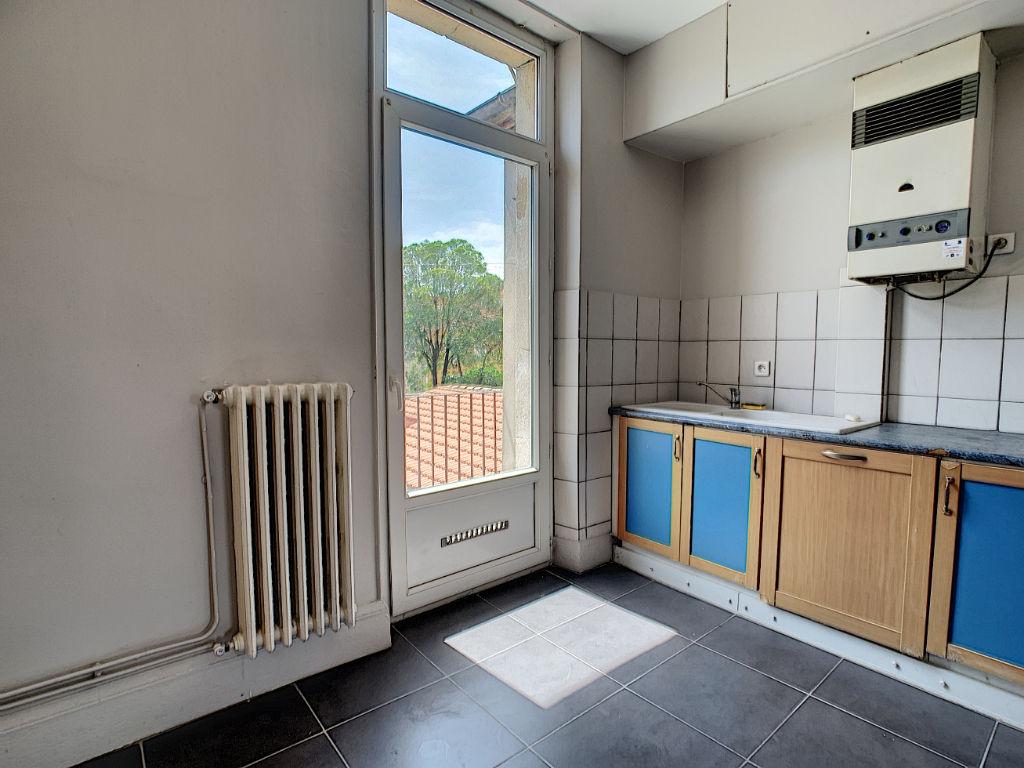Place de la paix-T3 de 66m² balcon et garage