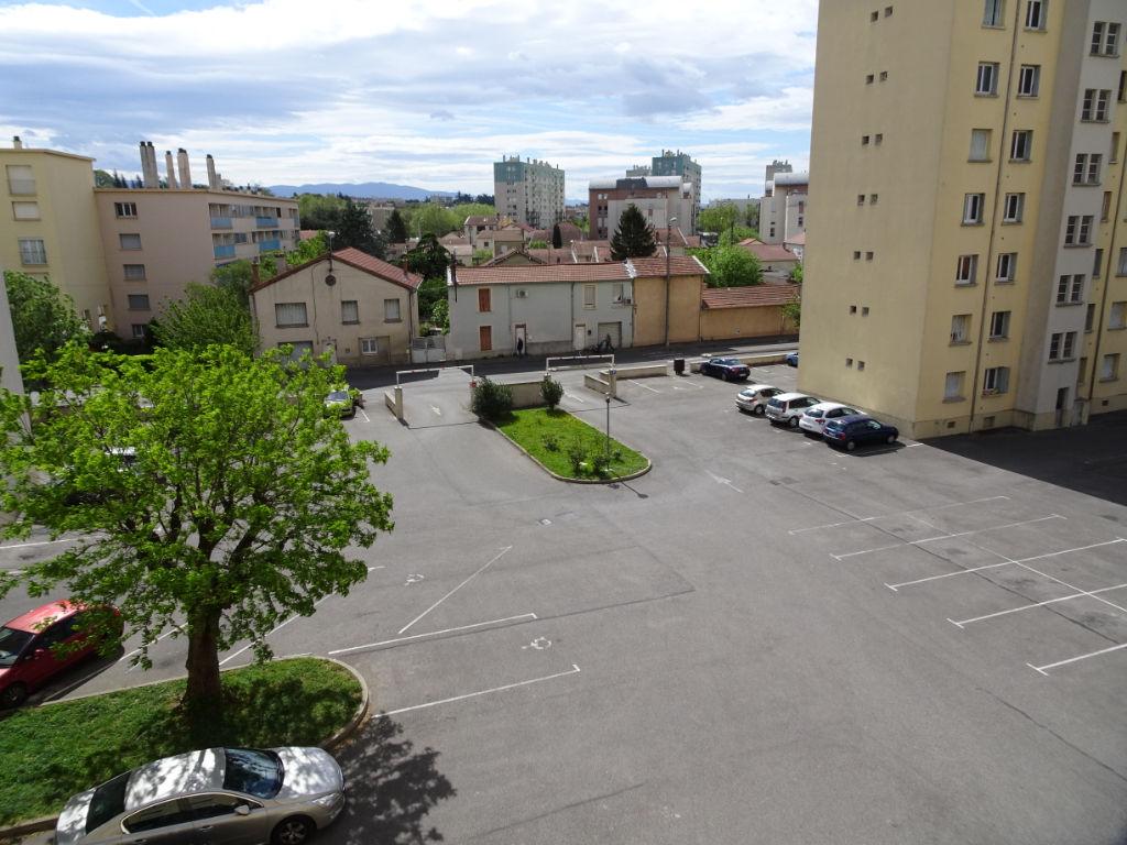 BOURG LES VALENCE - T3 de 57 m²