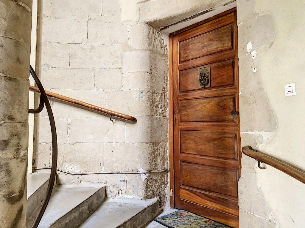 VALENCE Centre historique T3  115 m²  charme et cachet dans bâtiment classé