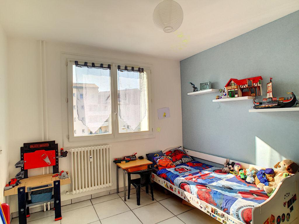 Guilherand GRANGES - T4  de 83 m² avec cave