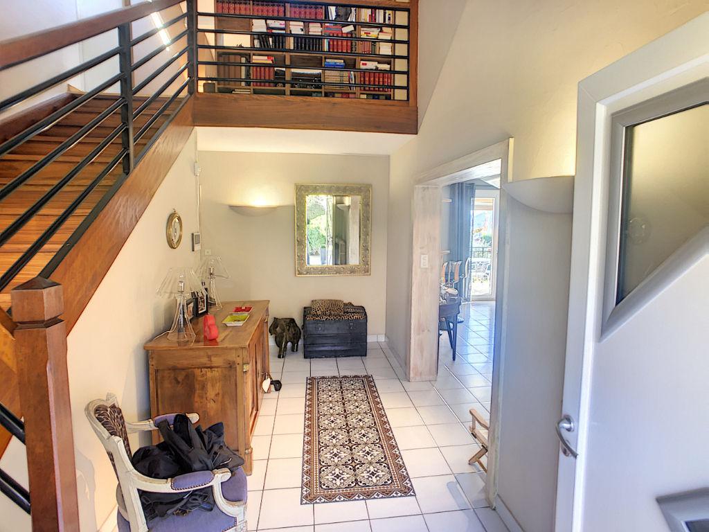 Maison 5 chambres, 2470m2 de jardin, très bon état, proche toutes commodités