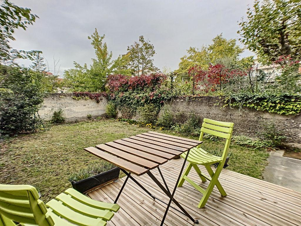VALENCE Victor Hugo Centre ville T3 de charme avec accès jardin
