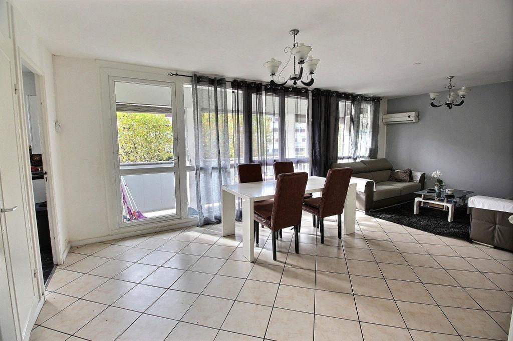 photos n°1 Appartement Vénissieux 5 pièce(s) 75 m2