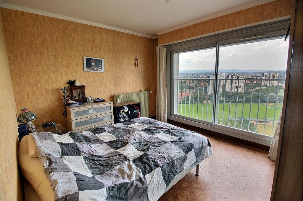 Appartement Venissieux 3 pièce(s) 67 m2