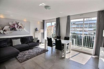 Place Saint-Louis / Jean Mace Appartement Lyon 4 pieces 80 m2