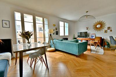 Appartement T4 Villeurbanne 69100 limite Bellecombe, proche cours Lafayette, renove, sejour double