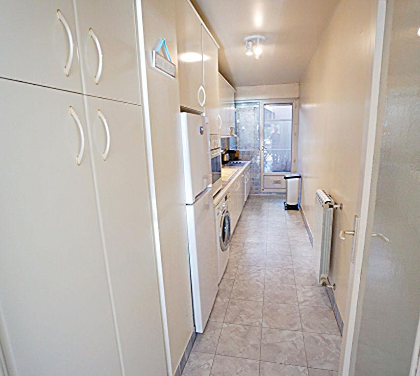 Appartement  3 pièces , bord  mer, triangle d'or, coeur de ville
