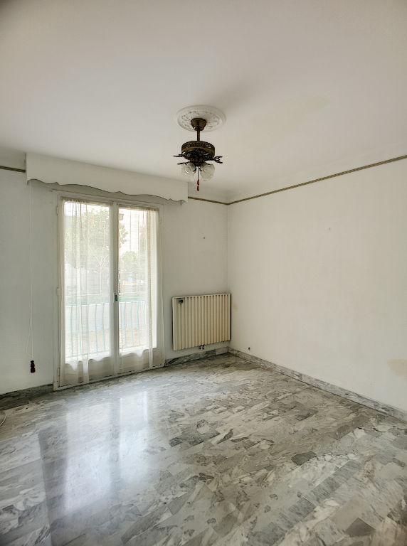 Appartement 3 pièces proche Cours Napoléon