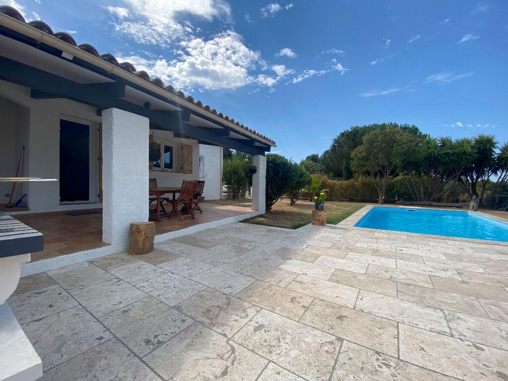 A vendre Plaine de Cuttoli maison 5 pièces de 140m² sur terrain de 3000m² + piscine et garage