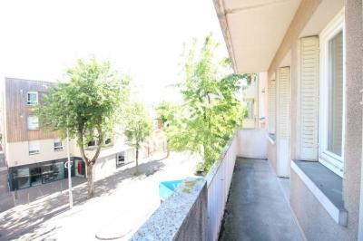 T4 92m2 avec balcon, cave et grenier
