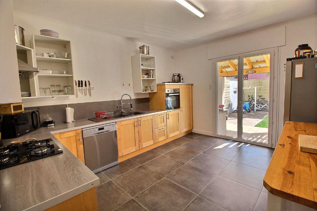 THEZA - Villa à vendre de 163 m² env. sur terrain 3 faces de 406 m²