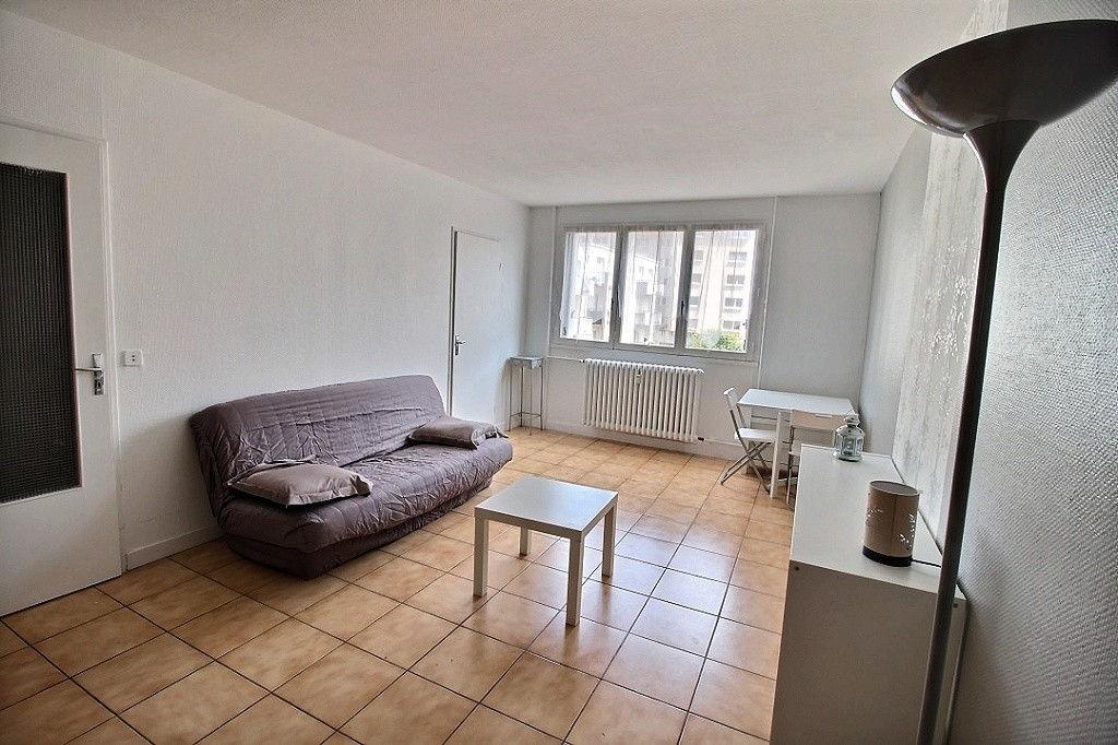 photos n°1 Appartement Chartres 1 pièce - Gare à pied