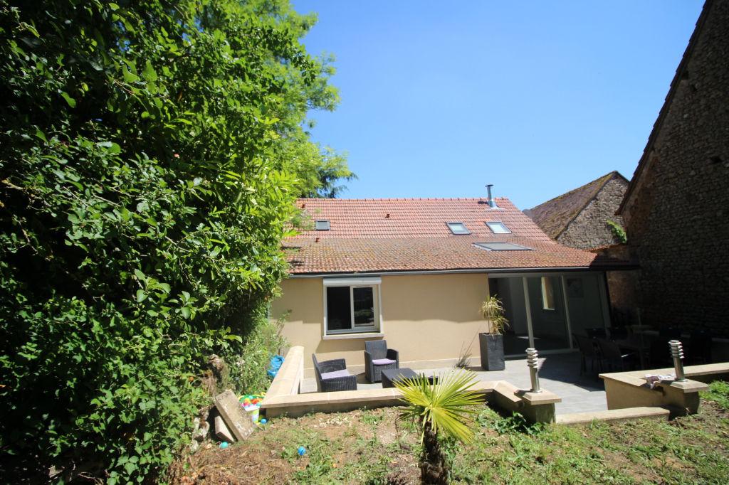 SOURS : maison F7 à vendre