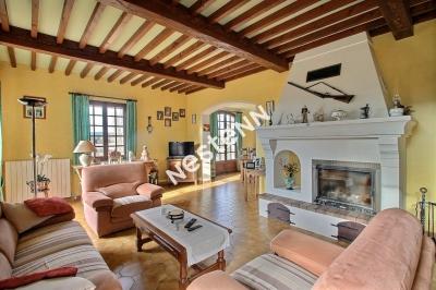 Villa de 160 m2, 5 chambres et dependances au calme