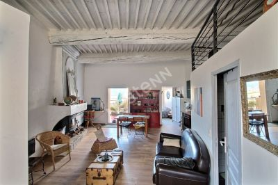 Cadene- Maison en deux habitations avec terrasses garage et cave