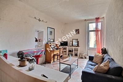 Cadenet - Appartement de caractere avec annexe et garage